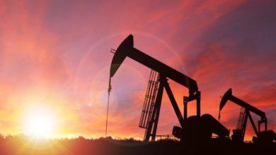 تراجع أسعار النفط مع عودة مخاوف الطلب وقرب استئناف الإنتاج الأمريكي