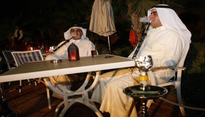 الكويت تكافح تغطية نفقاتها