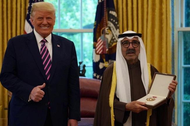 أمير الكويت حصل على وسام الاستحقاق تقديراً لجهوده والشراكة الأمريكية الكويتية