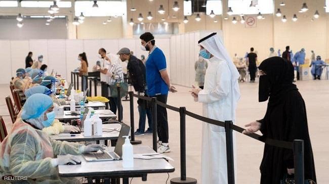 الكويت تواجه ارتفاعاً متزايداً في إصابات كورونا وتوقع تشديد الإجراءات