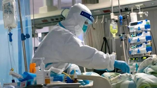 غرف العناية المركزة تزداد ازدحاماً مع ارتفاع إصابات كورونا في عمان