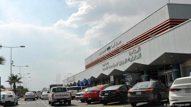 التحالف يدمر طائرة حوثية مسيرة والحوثيين يزعمون استهداف مطار أبها