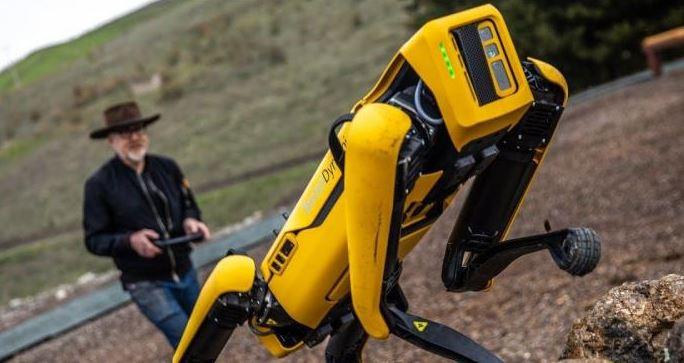 Boston Dynamics تطرح روبوت رباعي الأرجل Spot في أسواق جديدة