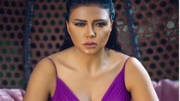 رانيا يوسف تبرر إظهار جمالها للمتابعين لأن الجميع يهتم بالجمال وليس الموهبة