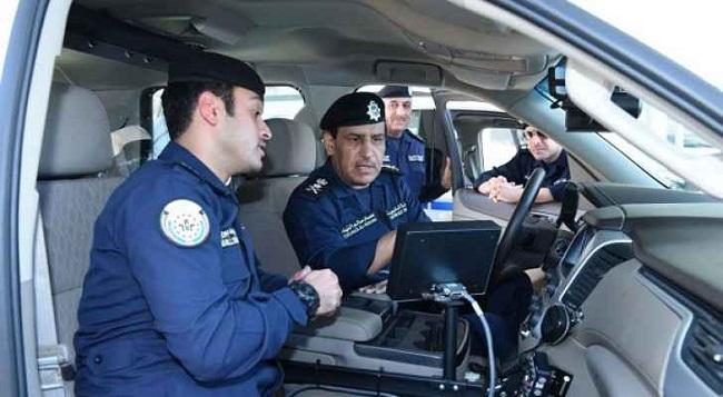 أمن الدولة في الكويت يسلم 3 مصريين إلى الأمن في مصر لاتهامهم بالتظاهر ضد النظام