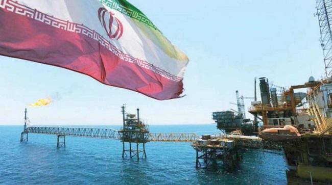 العقوبات الأمريكية تتسع على إيران وتشمل أحد أهم قطاعاتها الاقتصادية