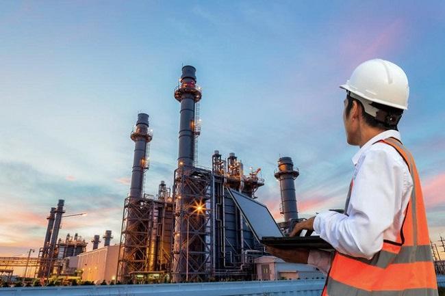 توقعات بارتفاع أسعار النفط وسط انتعاش طفيف خلال الربع الأخير من العام الجاري