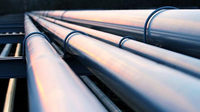 خط الأنابيب سيمر بالسعودية ويهدد نقل النفط عبر قناة السويس