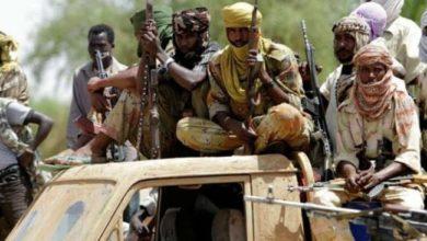 المحكمة الجنائية الدولية طالبت منذ سنوات بتسليم البشير ومتهمين آخرين لاتهامهم بارتكاب جرائم في دارفور