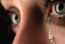 صورة فوائد البكاء وأنواع الدموع التي يفرزها الإنسان
