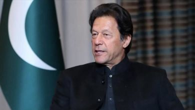 صورة رئيس وزراء باكستان: ماكرون يهاجم الإسلام بدل الإرهابيين