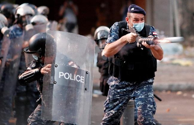 أسلحة فرنسية لقمع اللبنانيين