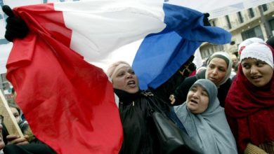 حزب فرنسي يدعو لحظر الزي الإسلامي