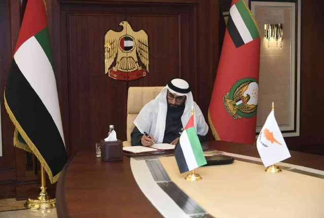 الإمارات وقبرص توقعان مذكرة تعاون دفاعي