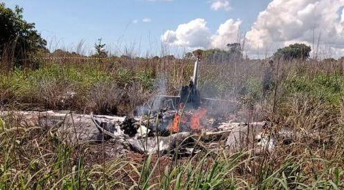تحط الطائرة