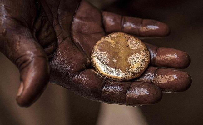 السودان تقرر وقف تهريب الذهب إلى الإمارات