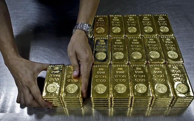 طاجيكستان تحبط تهريب شحنات من الذهب إلى دبي