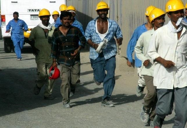 شركة إماراتية ترفض الاعتراف بحقوق مئات من عمالها