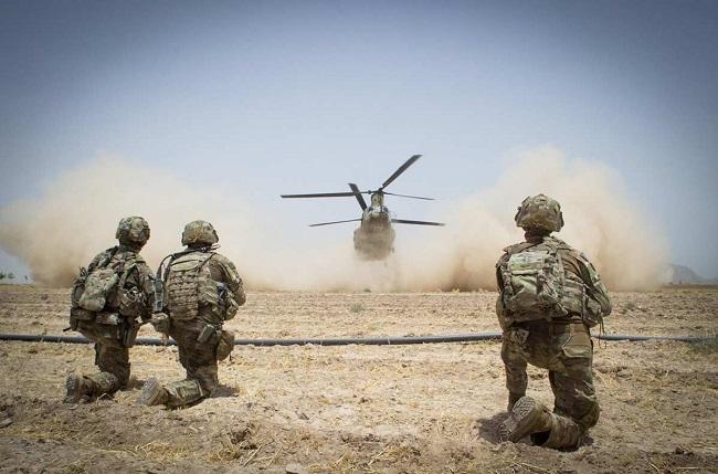 خبراء يحذرون من خطورة انسحاب القوات الأمريكية من أفغانستان