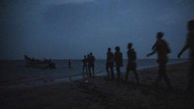 مقتل 80 مهاجرًا غرقًا في البحر الأحمر
