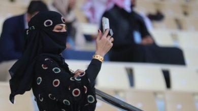 تقرير يرصد استغلال السعودية عروض الأزياء لتحسين سمعتها