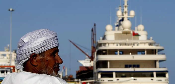مسقط تسعى للإفراج عن عمانيين معتقلين في الإمارات