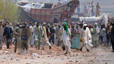 اشتباكات في باكستان عقب احتجاز رهائن من الشرطة على يد حزب لبيك