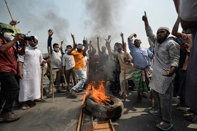 بنغلادش تشن حملة على جماعة إسلامية احتجوا ضد رئيس الوزراء الهندي