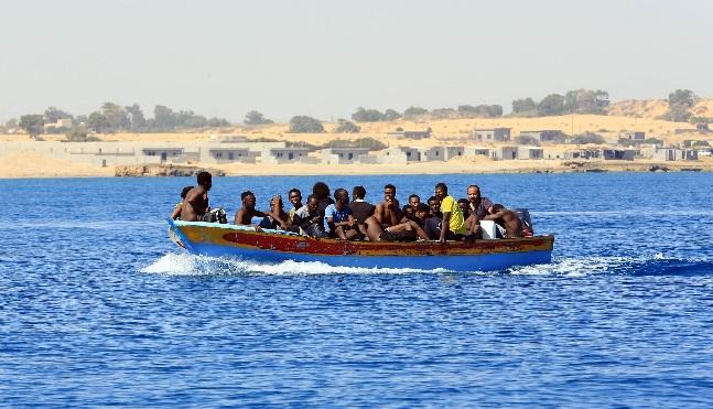 مقتل العشرات بغرق قارب غادر اليمن قرب سواحل جيبوتي