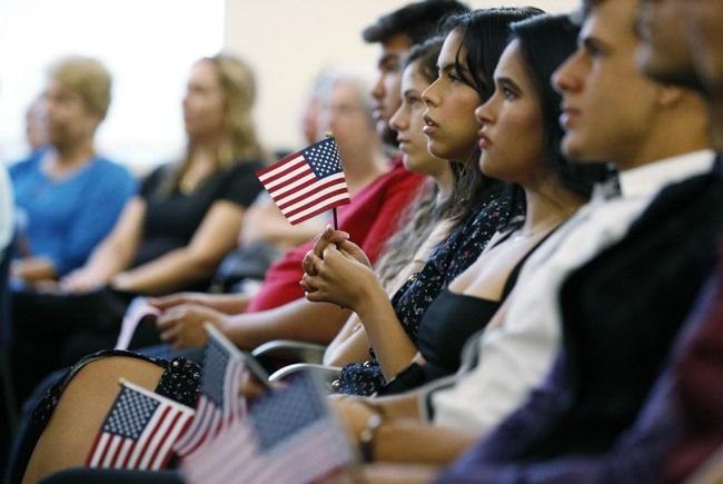 واشنطن سترفع الحد الأقصى لعدد اللاجئين إلى 62 ألفًا