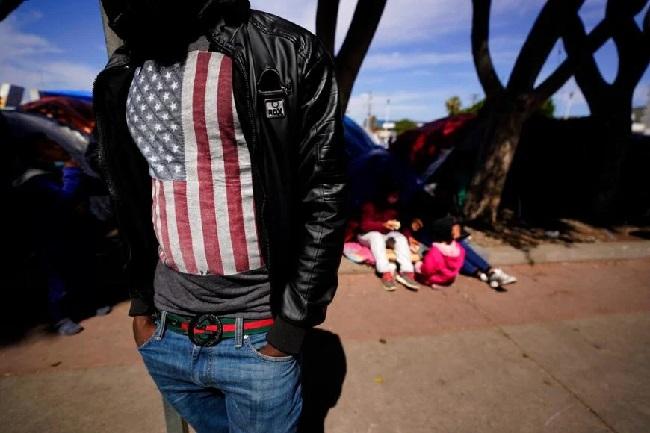 تزايد الضغوط لإنهاء عمليات الطرد على الحدود الأمريكية