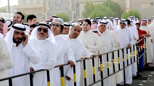 الكويت تمنع توظيف الأجانب في الوظائف الحكومية