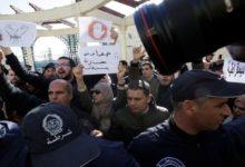 حملة اعتقالات تطال نشطاء وصحفيين جزائريين قبل الانتخابات
