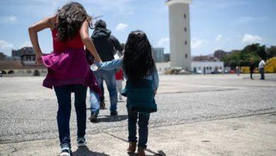الولايات المتحدة والمكسيك تقودان الأطفال المهاجرين إلى المجهول