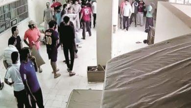 سجناء بحرينيون يتعرضون لحملة قمع وحشية احتجاجًا على انعدام لقاحات الجائحة