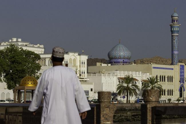 عمان تمنح المستثمرين الأجانب تأشيرات الإقامة قريباً سبتمبر