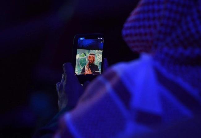 أفادت صحيفة هآرتس الإسرائيلية أن شركة إلكترونية إسرائيلية زودت السعودية بتقنيات تجسس واختراق هجومية تهدد الهواتف الذكية المستهدفة.