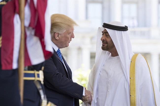 حلفاء ترامب متهمون بممارسة ضغوط لصالح الإمارات بعدم إنهاء الحصار عن قطر