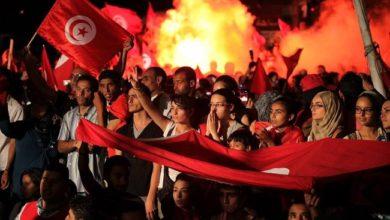 سقوط في تونس يعني سقوط الديمقراطية في الدول العربية