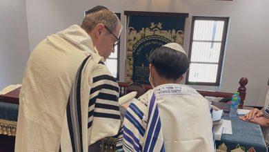 الجالية اليهودية تقيم مراسم دينية في البحرين